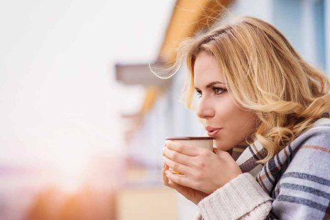 Low acid coffee reduces the risk of heartburn and acid reflux issues