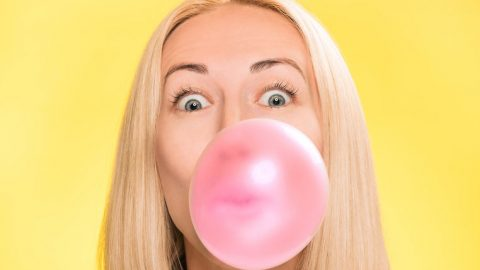 Chewing Gum for Heartburn: Do you get heartburn after meals? Chewing gum for acid reflux is a natural remedy that can eliminate heartburn and other acid reflux symptoms. Chewing gum gets the salivary glands going. Saliva is a natural acid reducer that contains bicarbonate, an antacid. Saliva also acts as an acid rinse and digestive aid that can eliminate acid reflux symptoms. There's also a 4th way chewing gum relieves acid reflux symptoms...